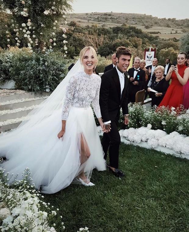 Casamento Chiara Ferragni e Fedez: Noivos no carrossel após a troca de alianças (Foto: Instagram/Reprodução)