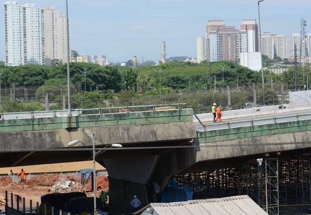 Viaduto da pista expressa da Marginal Pinheiros que cedeu (Foto: Rovena Rosa/Agência Brasil)