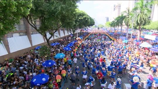 Blocos levaram 12 mil foliões para as ruas do Rio e de São Paulo, no fim de semana