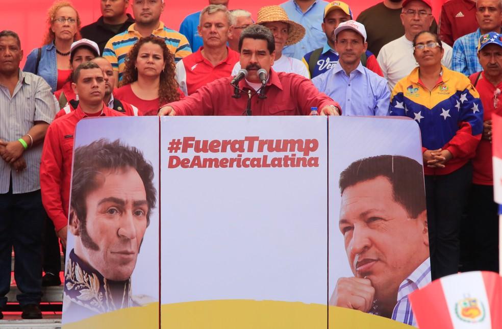 Nicolás Maduro critica Trump e pede exercícios militares durante comício nesta segunda-feira (14) em Caracas (Foto: HO / PRESIDENCY / AFP)