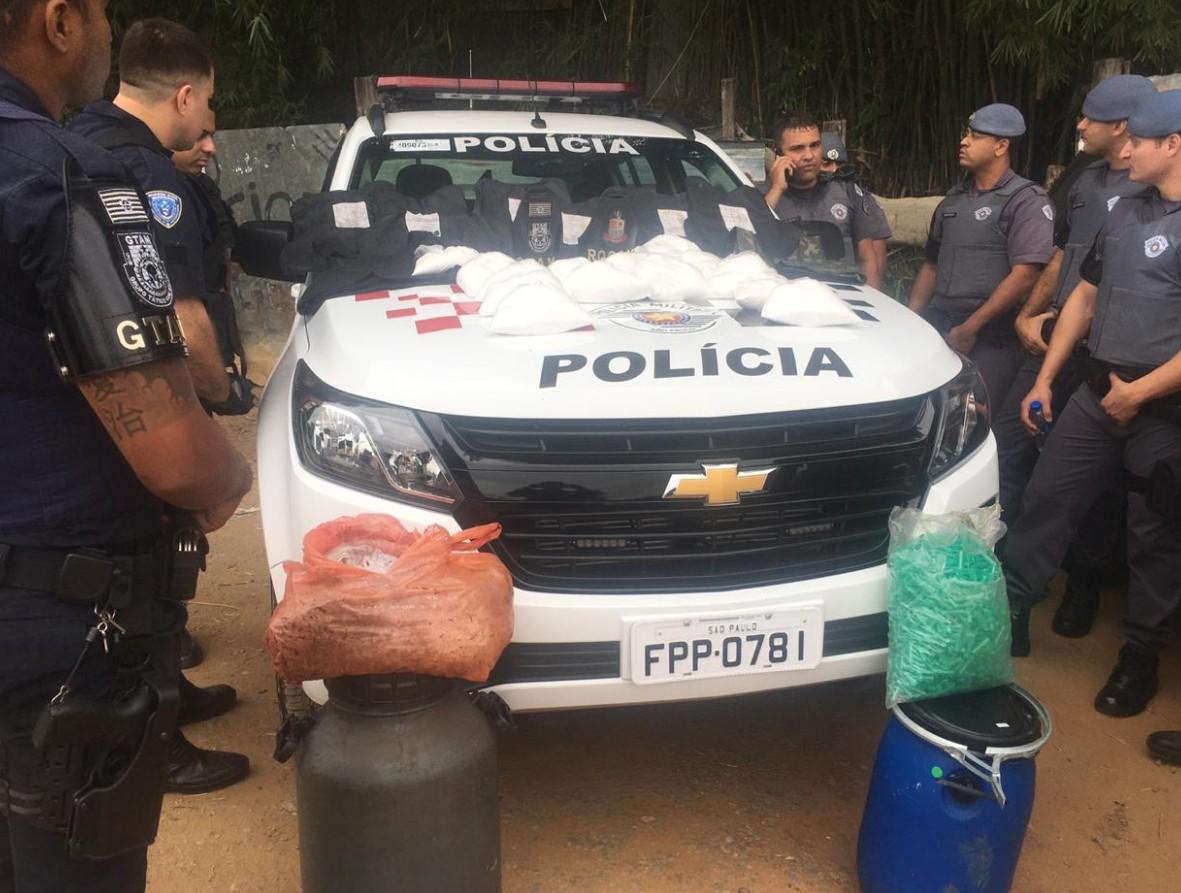 Polícia apreende cerca de 15 kg de droga no Banhado em São José, SP - Notícias - Plantão Diário