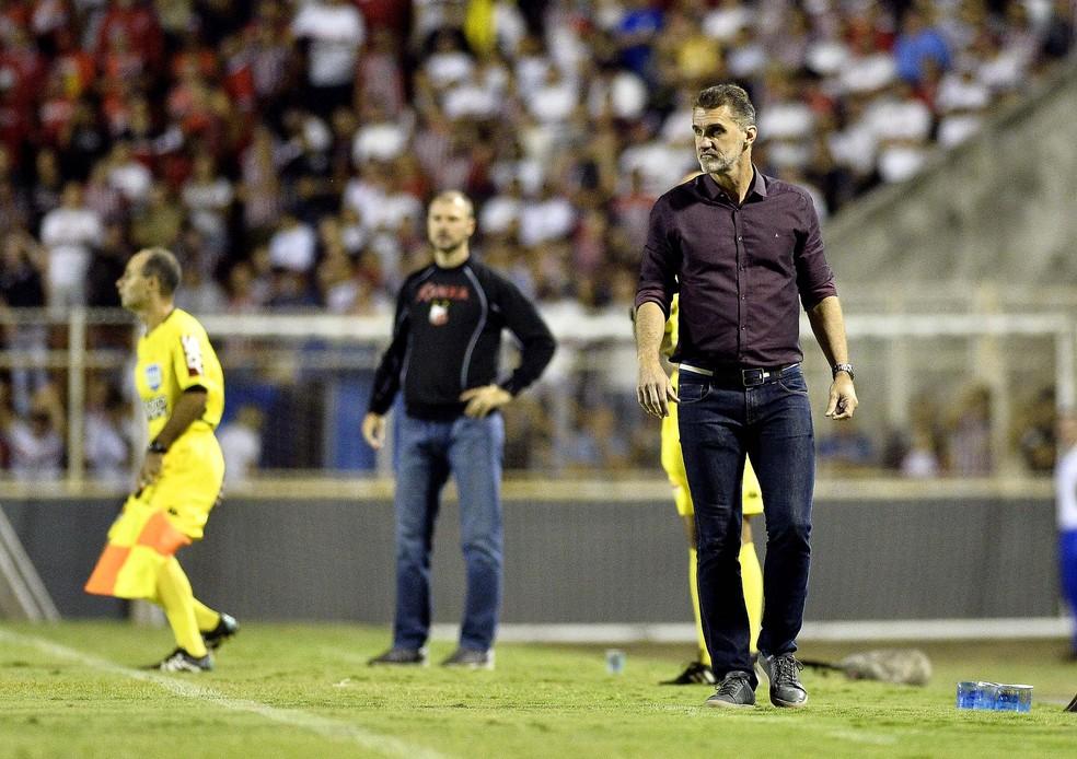 Vagner Mancini, técnico interino do São Paulo, durante a partida contra o Ituano — Foto: Marcos Ribolli