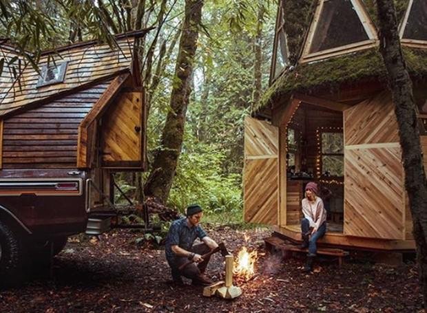 O designer já criou vários modelos de cabanas transportáveis de madeira (Foto: Instagram/ Reprodução)