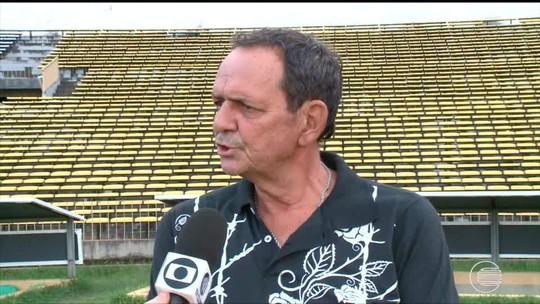 Ari, ex-zagueiro do River-PI e campeão com o Piauí em 1985, passa mal e morre aos 61 anos