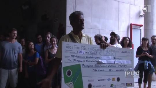 Vendedor de bolos ganha R$ 10 mil de alunos da PUC e vai quitar dívidas