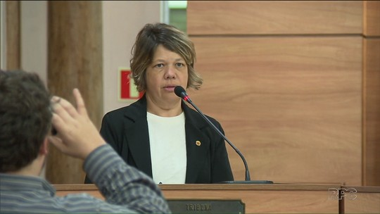 'Talvez eu tenha errado amando demais', diz vereadora acusada por funcionários de exigir parte do salário