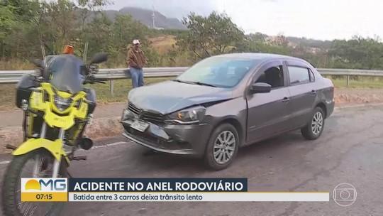 Acidente deixa trânsito complicado no Anel Rodoviário de BH, altura do Olhos D'Água