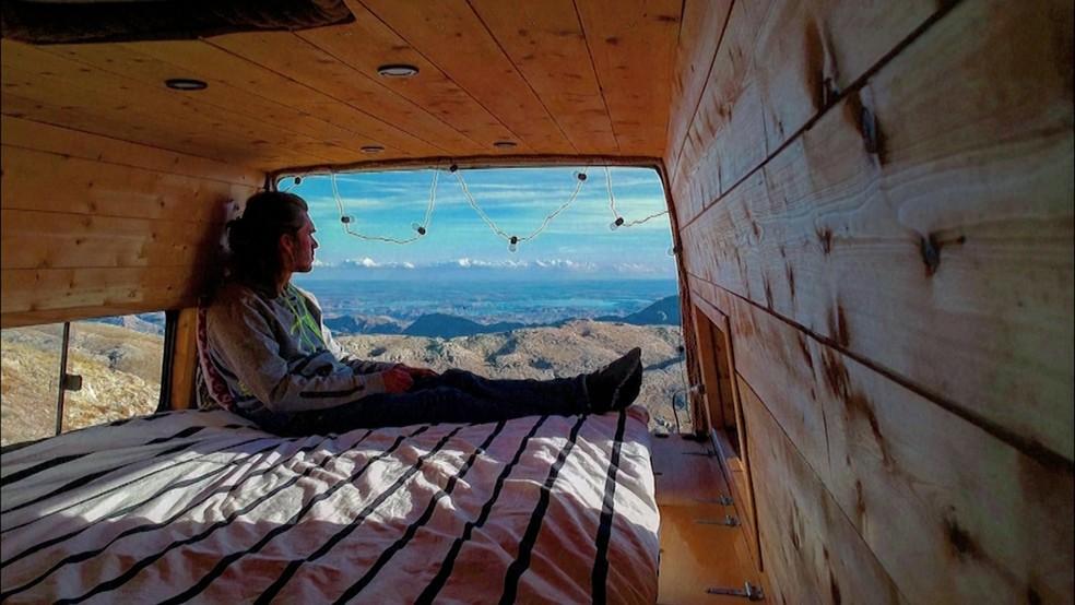 Briere viajou da França ao Irã em uma van — Foto: Reprodução