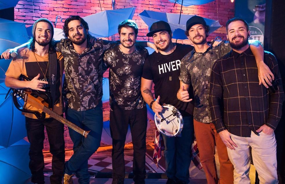 O grupo de pagode Atitude 67 vai cantar junto com Thiaguinho — Foto: Divulgação