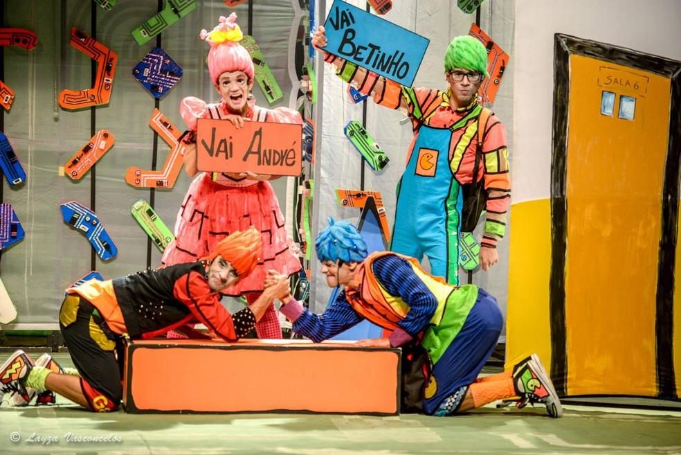 Peça 'O menino que virou TV', produzida pelo Teatro Sesc — Foto: Layza Vasconcelos/Sesc