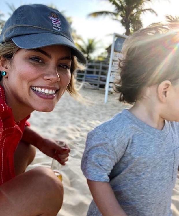 Bruna Hamú e o filho, Julio  (Foto: Reprodução/Instagram)