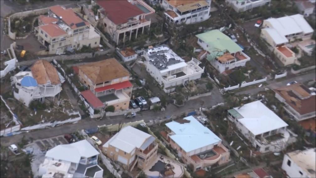 Casas destruídas após passagem do furacão Irma na parte holandesa da Ilha de Saint Martin, no Caribe (Foto: NETHERLANDS MINISTRY OF DEFENCE via REUTERS)