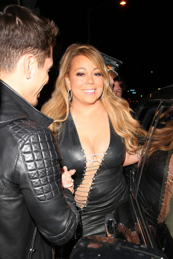 West Hollywood, CA  - Singer Mariah Carey was seen arriving with her boyfriend Bryan Tanaka at Gracias Madre in Los Angeles.Pictured: Mariah Carey and Bryan TanakaBACKGRID USA 23 SEPTEMBER 2017 BYLINE MUST READ: Maciel / BACKGRIDUSA: +1 31 (Foto: Maciel / BACKGRID)