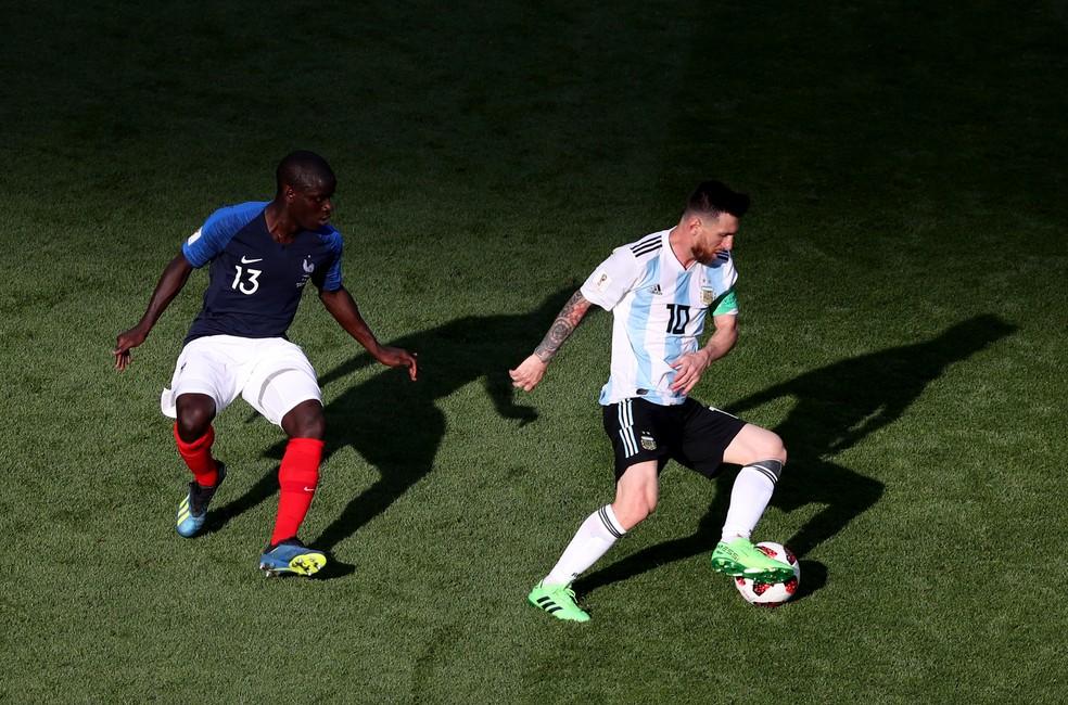 Kanté marca Messi em França x Argentina na Arena Kazan,nas oitavas de final; com o craque do Barça bem marcado pelo volante, ataque francês fez a diferença (Foto: Catherine Ivill/Getty Images)