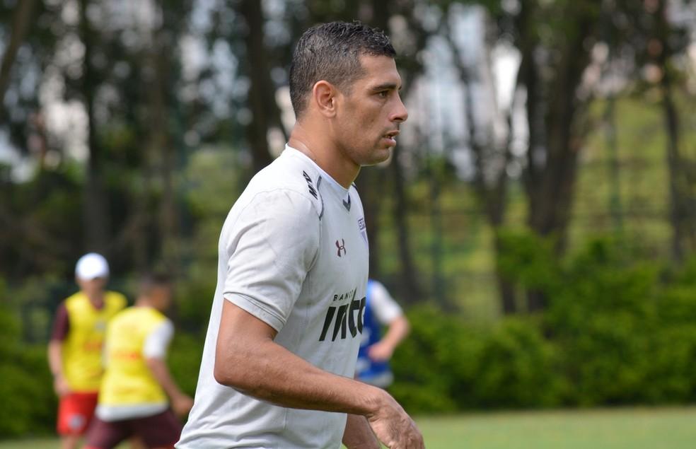 Diego Souza  ainda no tem condio legal de jogo para estrear pelo So Paulo Foto rico Leonan  saopaulofcnet