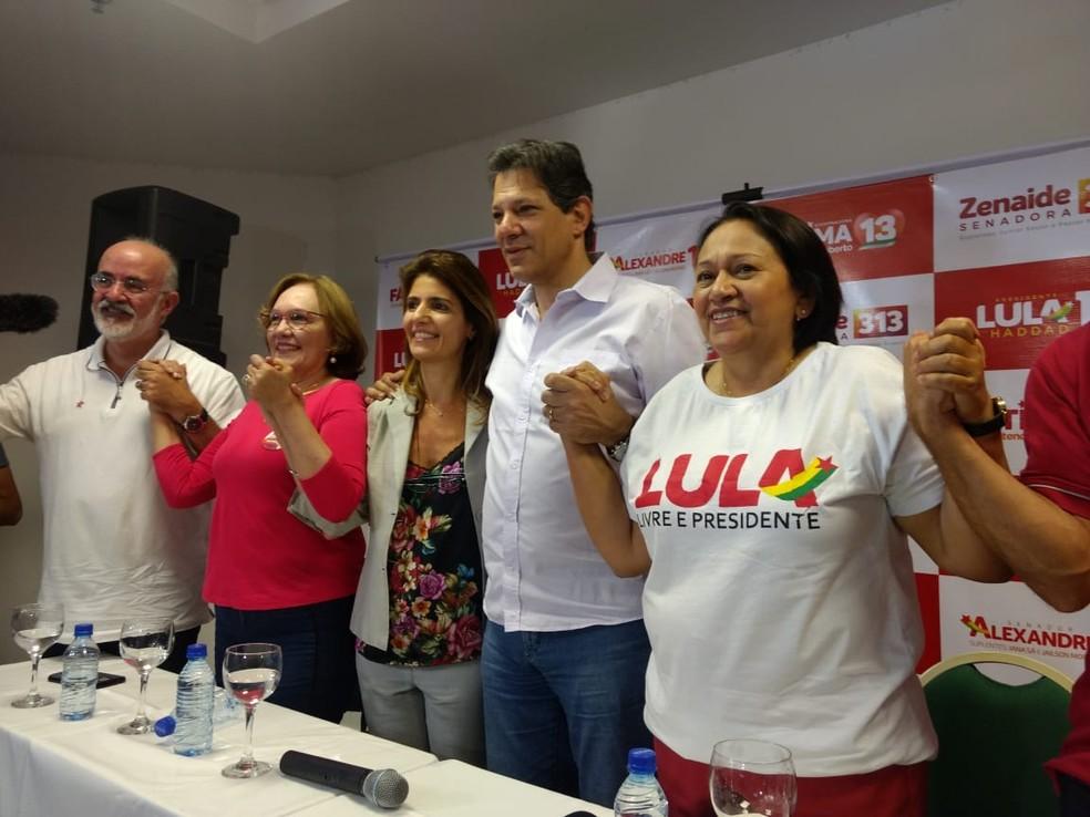 Fátima Bezerra (PT) cumpriu agenda em Mossoró, acompanhada do candidato a vice-presidente, Fernando Haddad, e correligionários (Foto: Isaiana Santos/Inter TV Costa Branca)