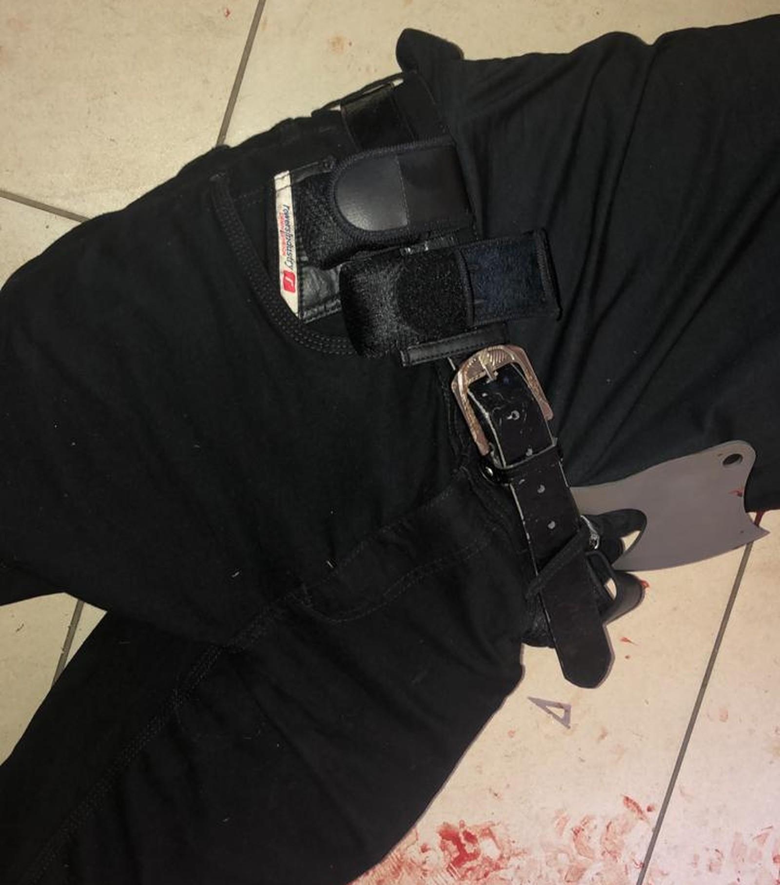 Polícia divulga nome dos assassinos e das vítimas. Vejam as imagens das armas utilizadas no ataque terrorista