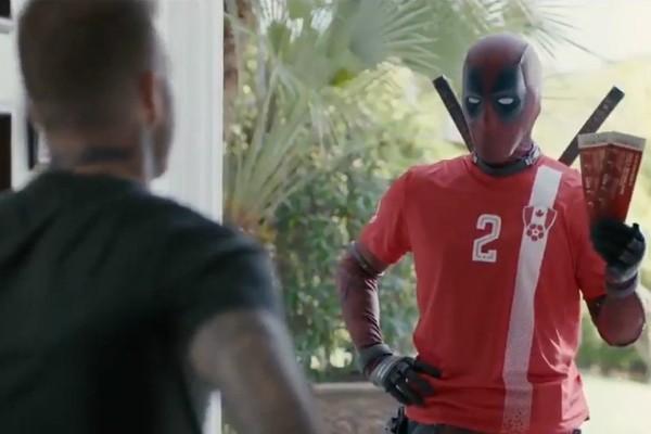 David Beckham recebe visita de Deadpool (Foto: Reprodução )
