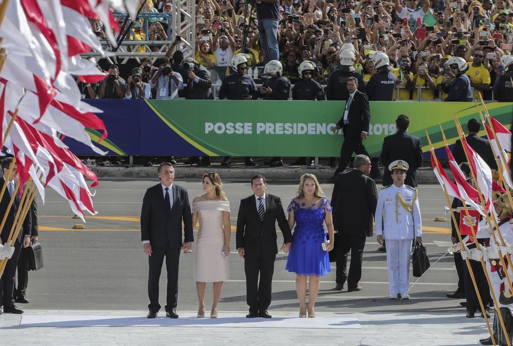 Bolsonaro chega ao Planalto para receber a faixa presidencial — Foto: Sergio Lima/AFP