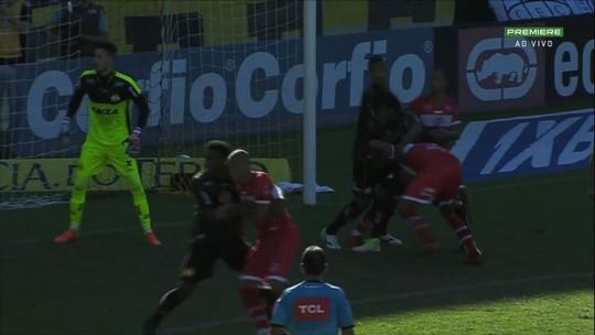 """CRB reclama de """"erro grotesco"""" no jogo contra o Criciúma e pede arbitragem da Fifa na reta final"""