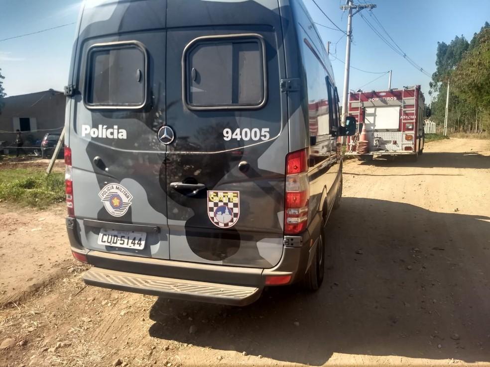 GATE foi acionado para destruir artefato explosivo em Porangaba (SP) — Foto: Corpo de Bombeiros de Botucatu/Divulgação