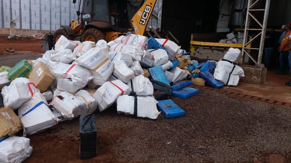 Fardos de maconha para incineração — Foto: Polícia Civil/Divulgação