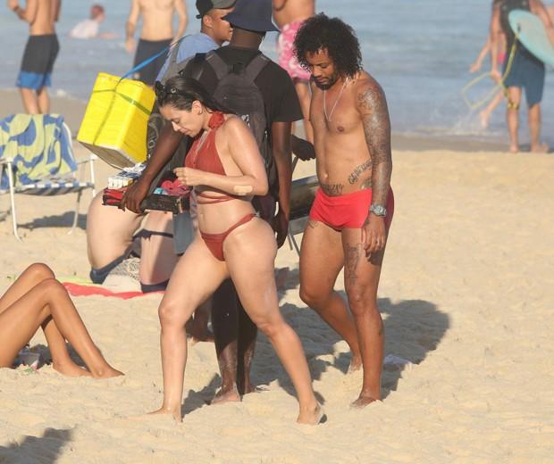 O jogador Marcelo e a mulher, Clarice (Foto: AgNews/ J.C. Pereira)