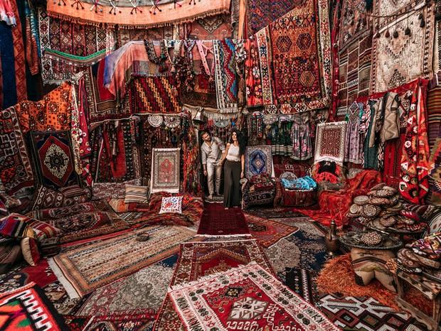 Muitos mais que objetos: tapeçaria na Turquia é arte milenar que reflete riqueza cultural (Foto: Shutterstock / Sotnikov Misha)