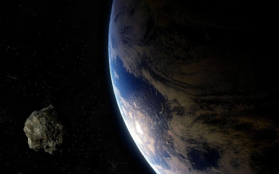 """Objeto estará a 7,4 milhões de quilômetros de distância, o que garante seu rótulo de """"potencialmente perigoso"""" (Foto: Pixabay)"""
