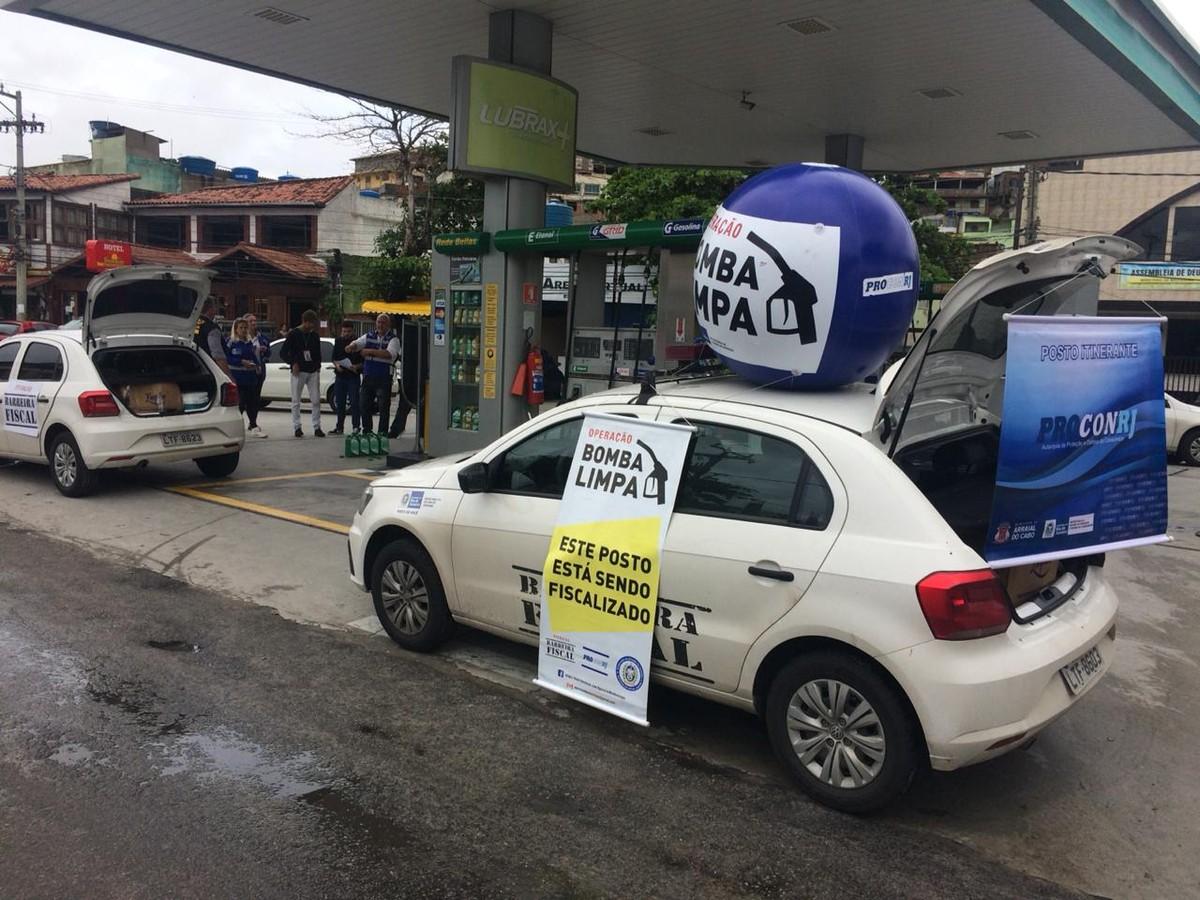 Dois postos de combustíveis são autuados por irregularidades em operação em Arraial do Cabo, RJ