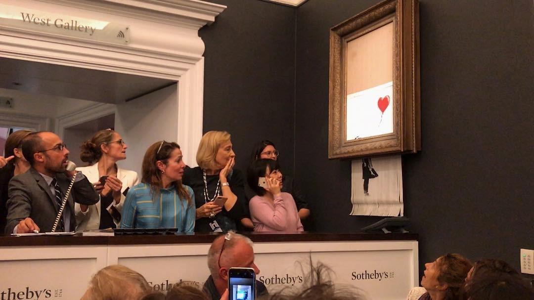 A obra de Banksy, triturada após ser vendida (Foto: Reprodução / Instagram)
