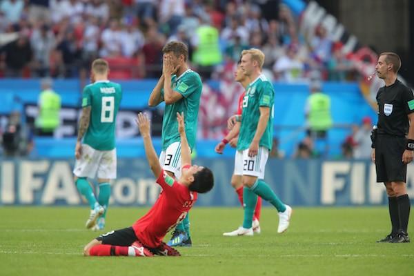 Thomas Mueller lamentando a derrotada da Alemanha para a Coreia do Sul que determinou a eliminação de sua equipe na Copa do Mundo 2018 (Foto: Getty Images,)