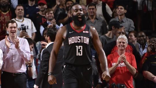 Com 47 pontos de James Harden, Rockets passam pelo Jazz e embalam quarta vitória seguida