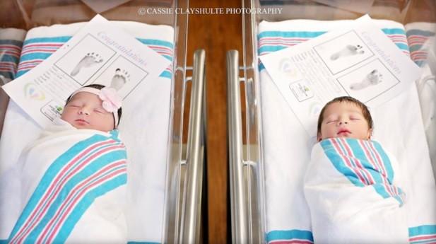 Romeo e Juliet no berçário da maternidade na Carolina do Sul