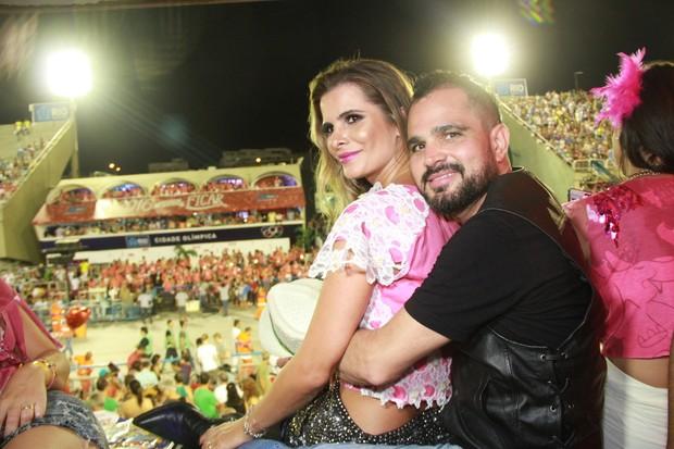Luciano Camargo com a esposa (Foto: GRAÇA PAES - BRAZIL NEWS)