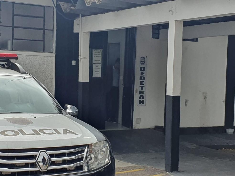 Ex-BBB Diego Alemão foi preso após se envolver em acidente de trânsito, em Curitiba — Foto: Helen Anacleto/RPC