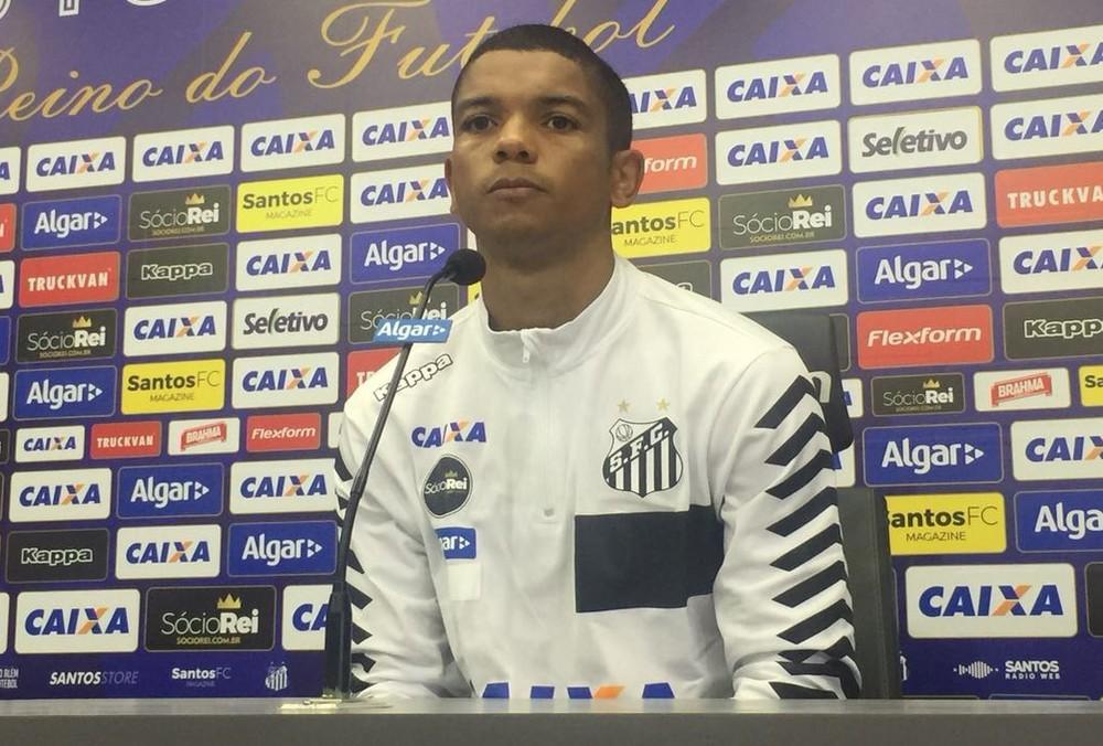 Jair vê Santos motivado para vencer Lucas Lima em reencontro