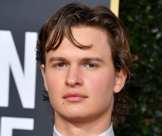 BEVERLY HILLS, CALIFORNIA - JANUARY 05: Ansel Elgort attends the 77th Annual Golden Globe Awards at The Beverly Hilton Hotel on January 05, 2020 in Beverly Hills, California. (Photo by George Pimentel/WireImage) (Foto: WireImage)