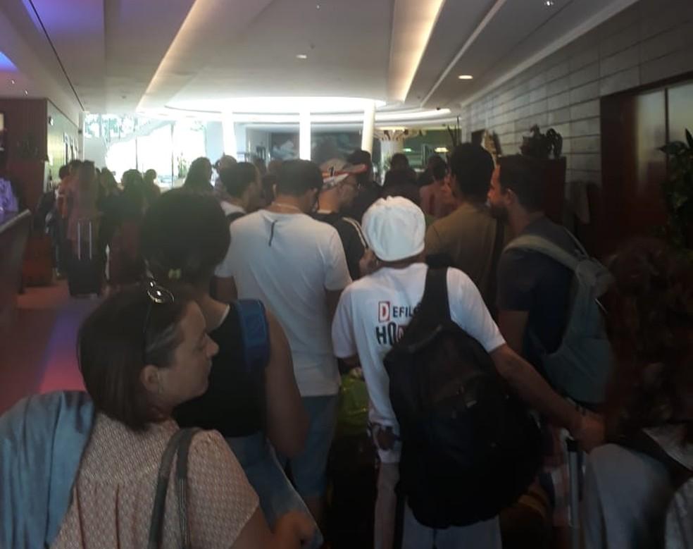 Pelo menos 40 brasileiros foram afetados pelos cancelamentos dos voos da Cabo Verde (Foto: Josiel Fernandes de Araújo)
