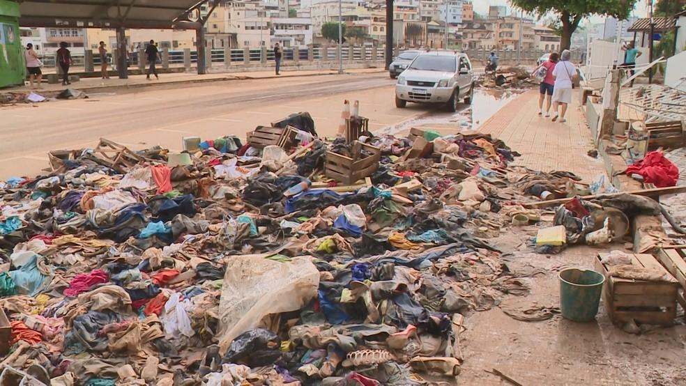 Estragos em Cachoeiro de Itapemirim após a chuva — Foto: Reprodução/TV Gazeta