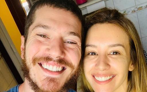 Em Curitiba, Cris Dias e Caio Paduan fazem passeio de