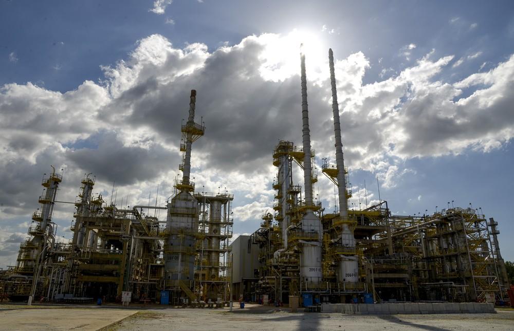 Petrobras reajusta gasolina após mais de 50 dias; importadores apontam defasagem