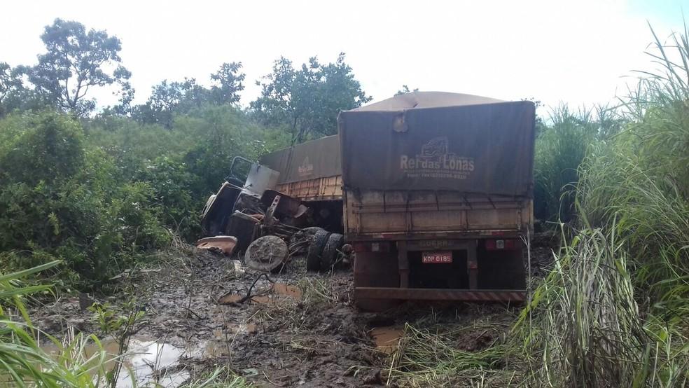 Corpo de Josivan Sena Fonseca ficou preso entre as ferragens após o acidente (Foto: Divulgação/Polícia Rodoviária Federal)