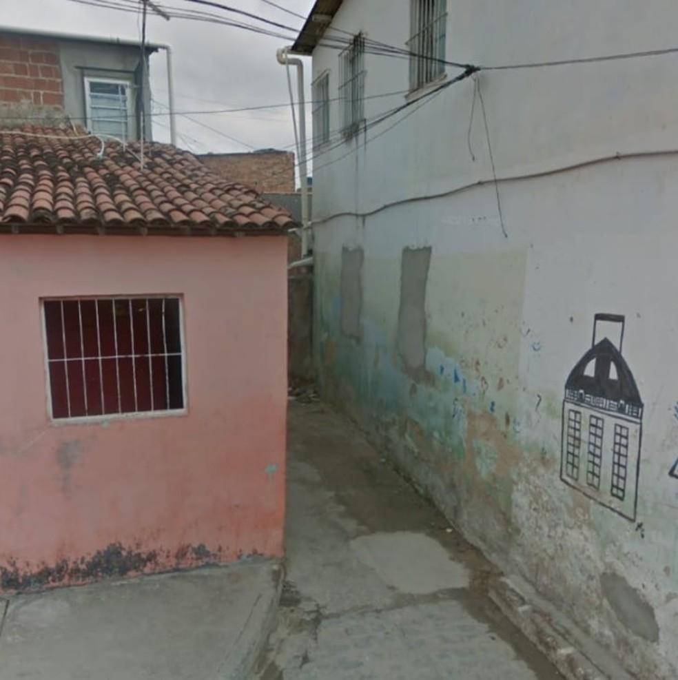 Crime aconteceu perto de um beco na Rua Diamante do Norte, na Ilha Joana Bezerra — Foto: Reprodução/Google Street View