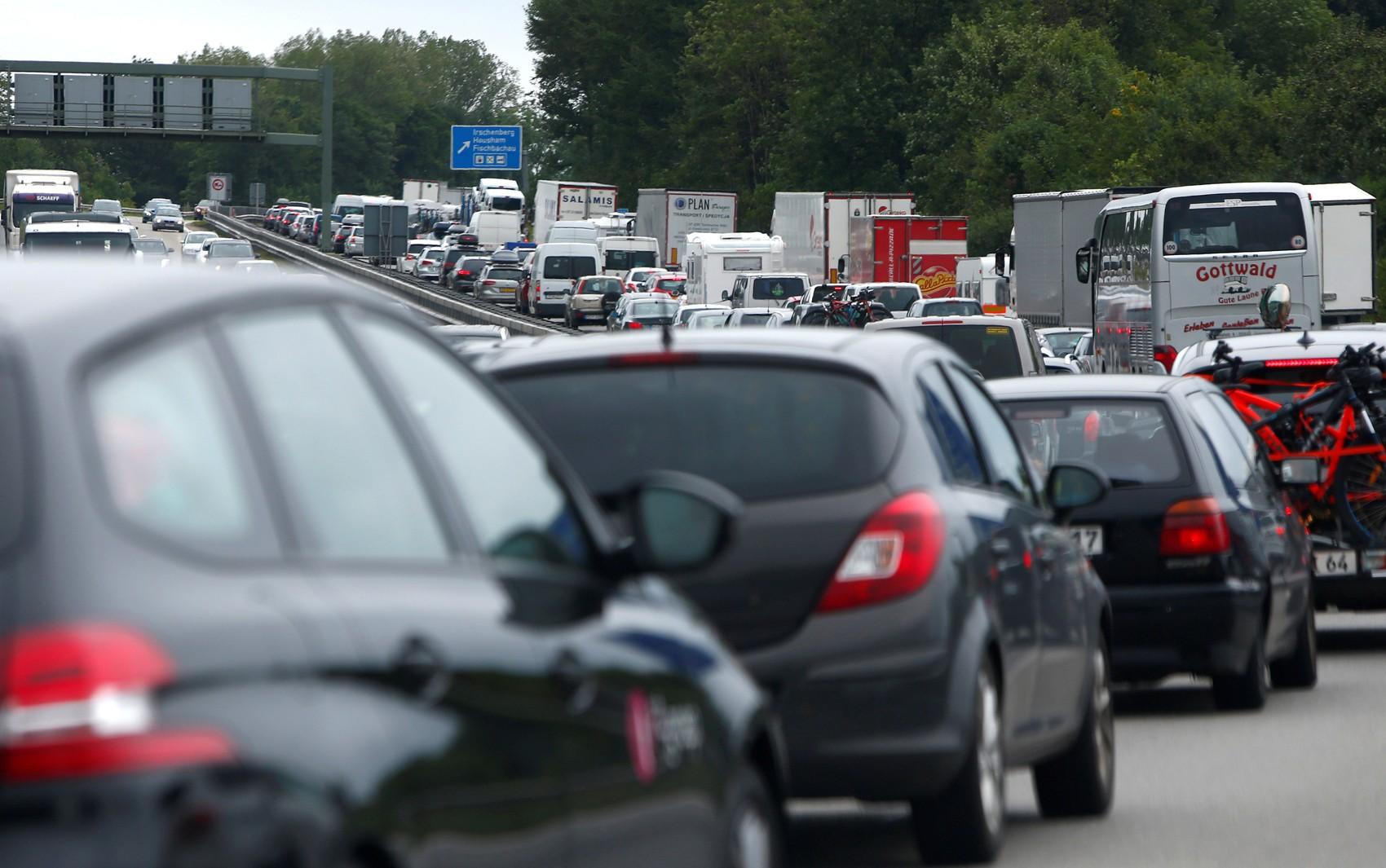 União Europeia se compromete a cortar emissões de carros em 37,5% até 2030