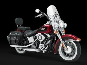 Harley-Davidson FLSTC Heritage Softail (Foto: Divulgação)