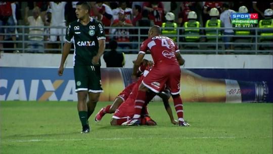 """Willians Santana se destaca no jogo 50 pelo CRB : """"Uma das melhores partidas do ano"""""""
