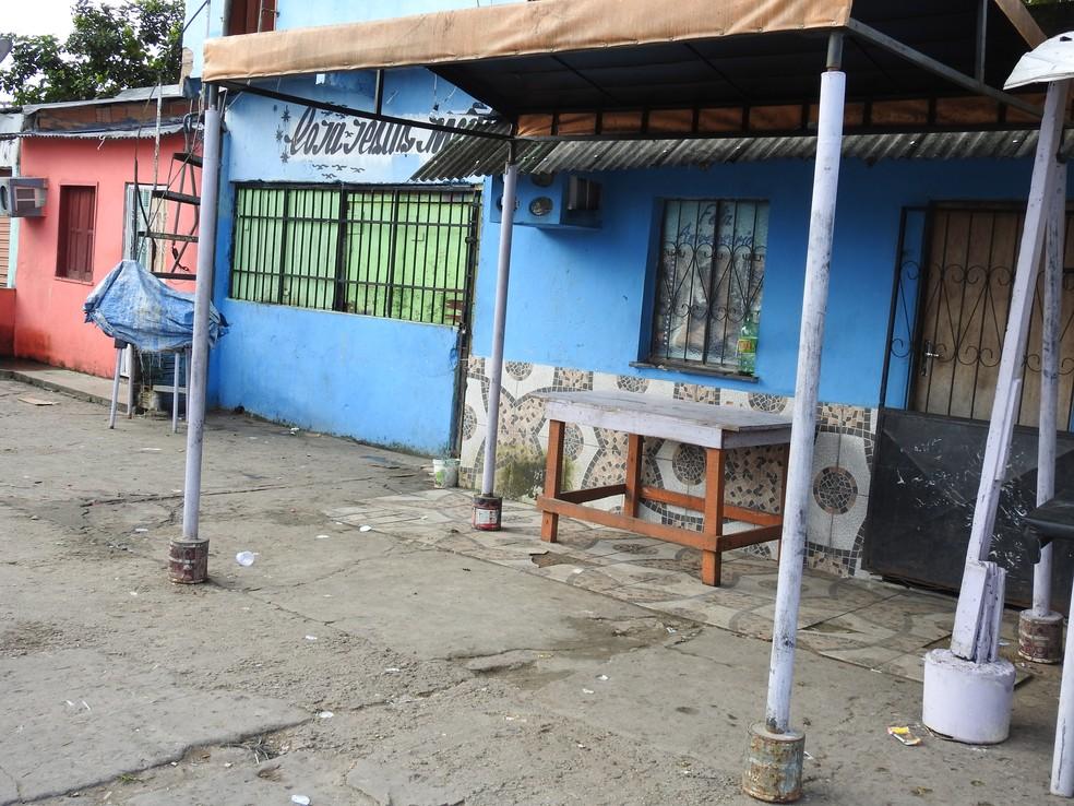 Ione Costa foi baleada na cabeça em casa onde também seria usada para comercialização de drogas — Foto: Adneison Severiano/G1 AM