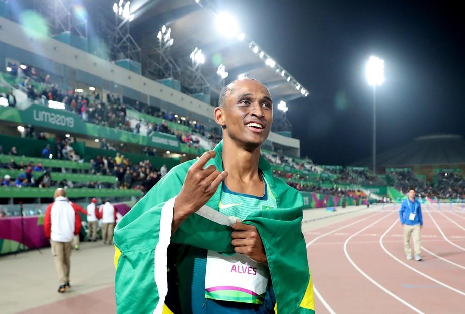 Alison dos Santos fica em segundo nos 400m com barreiras na etapa de Birmingham da Liga Diamante