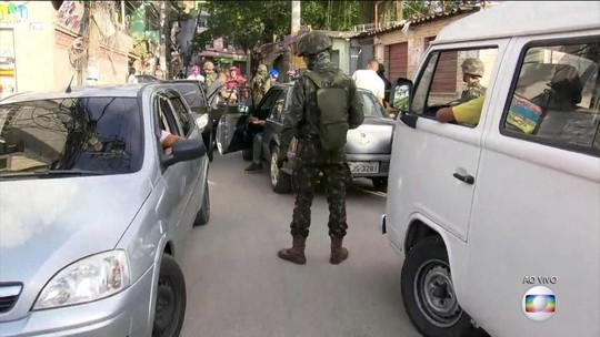 Polícia e Forças Armadas fazem operação na Ilha do Governador